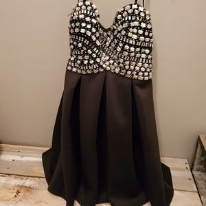 Dresses & Skirts - Sequenced black dress - Prom, Jr Prom, night out?